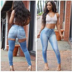 Jeans levanta cola rasgado...
