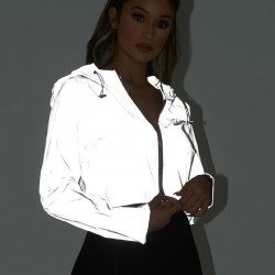 Chaqueta crop reflectante